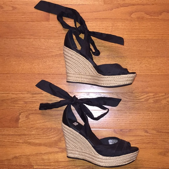 aaadd562dfb UGG Wrap Wedge Sandal NEW! Black Size 7 NWT